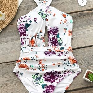 Beautiful Cupshe swimming suit